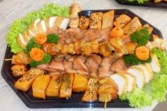gemischte Fischplatte mit Stremellachs und buttermakrele