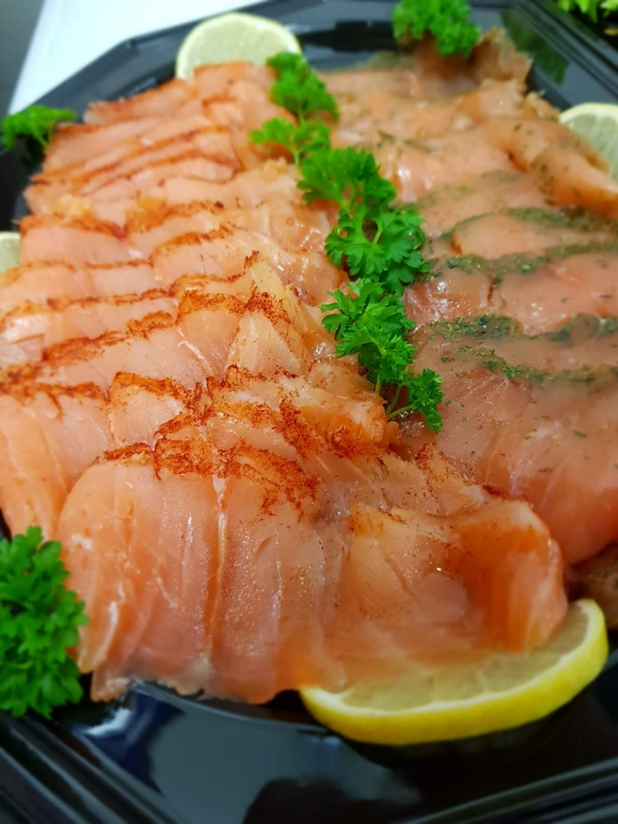 Fischplatte mit Graved Lachs und kaltgeräucherten Lachs