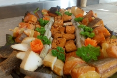 gemischte Fischplatte u.a. mit Aal, Strmellachs und Heilbutt